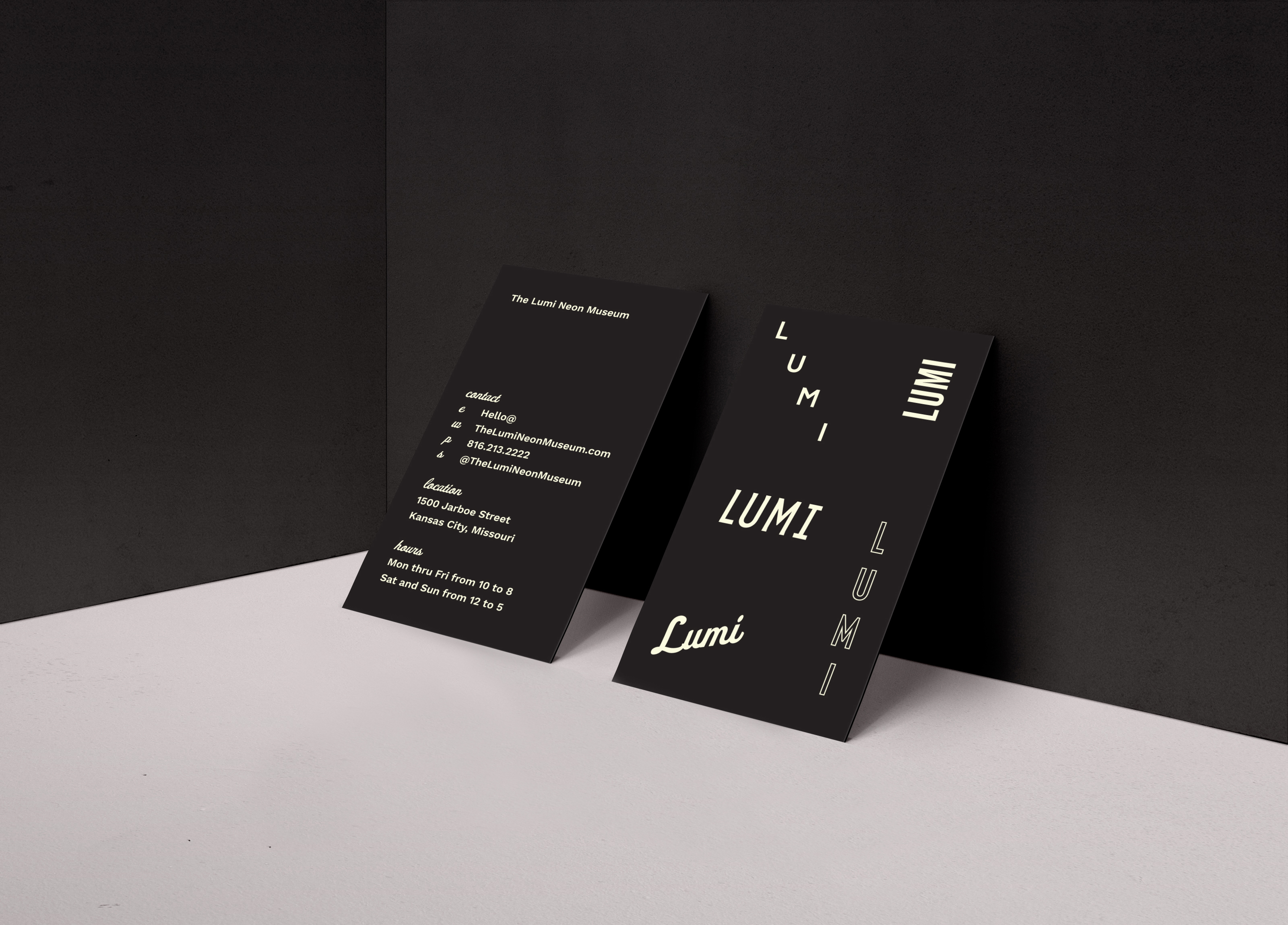 LumiNeon__Mockup_BusinessCards_V2